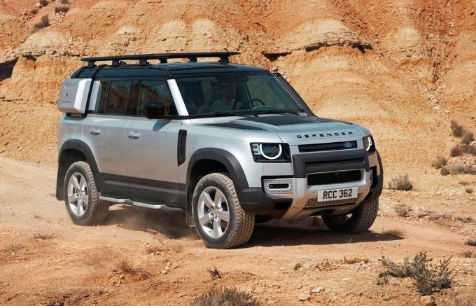 """Land Rover Defender mới nhận giải """"Mẫu xe phụ nữ yêu thích nhất thế giới"""" của năm 2021"""