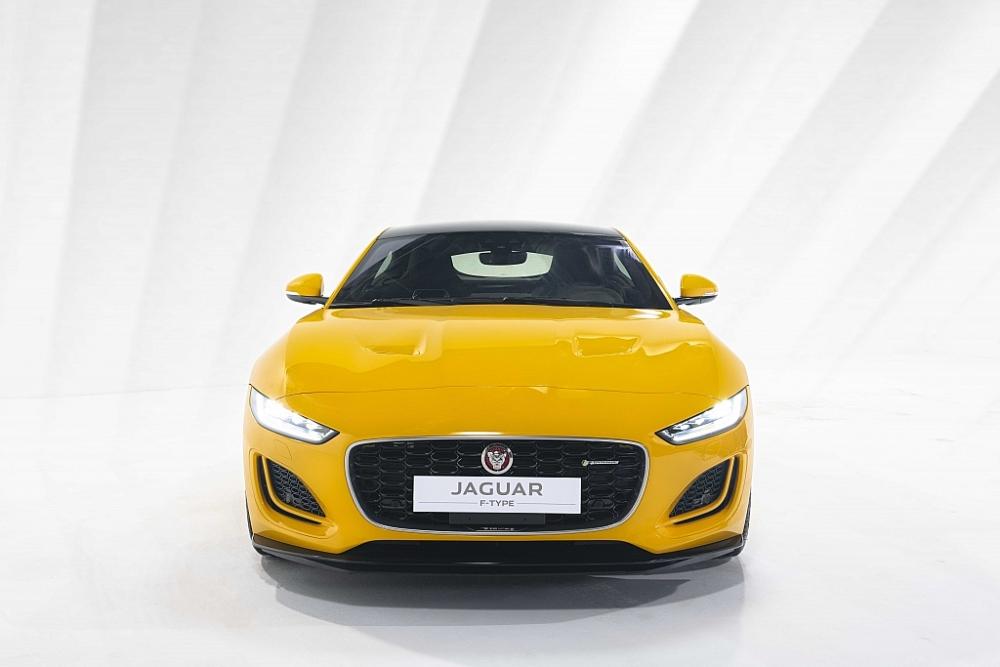 Ra mắt tại thị trường Việt Nam, Jaguar F-Type có giá từ 5,65 tỷ đồng