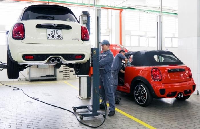 Mua xe BMW, MINI khách hàng được hỗ trợ 24/24 khi gặp sự cố trên đường