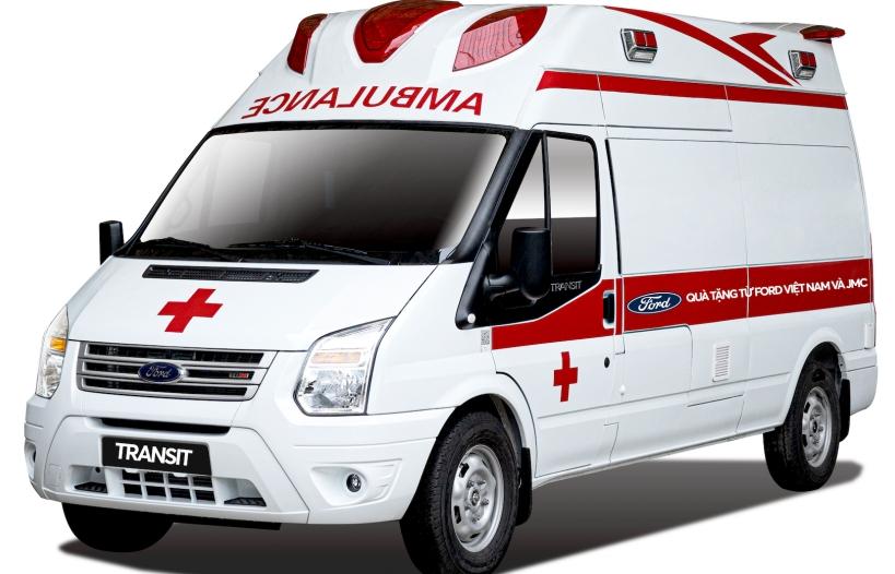 Ford Việt Nam tặng xe Transit áp lực âm cho bệnh viện Nhiệt đới Trung ương
