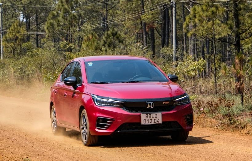 Tháng 4, Honda Việt Nam tăng ở mảng xe máy, giảm ở mảng ô tô