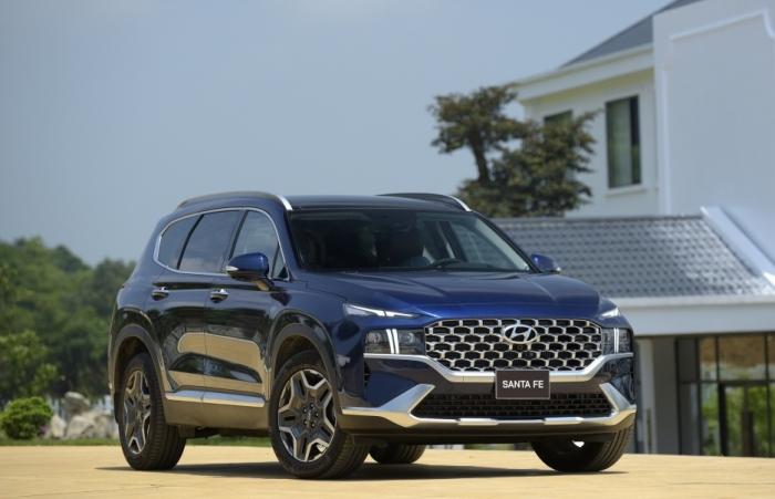 Hyundai Santa Fe 2021 ra mắt có 6 phiên bản với giá 1,030 tỷ đồng