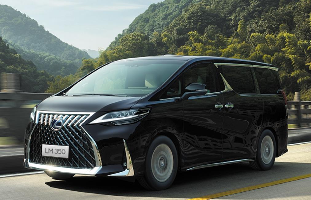 Giá từ 6,8 tỷ đồng Lexus LM 350 đem lại khoang khách sang trọng vô đối