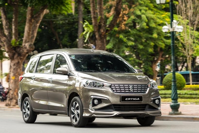 """Kinh nghiệm chọn xe """"cày"""" dịch vụ: Tiết kiệm nhiên liệu đối đa với Suzuki Ertiga"""