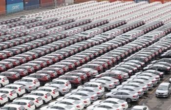 Xóa bỏ hồ sơ giấy với thủ tục nhập khẩu ô tô từ ngày 1/11