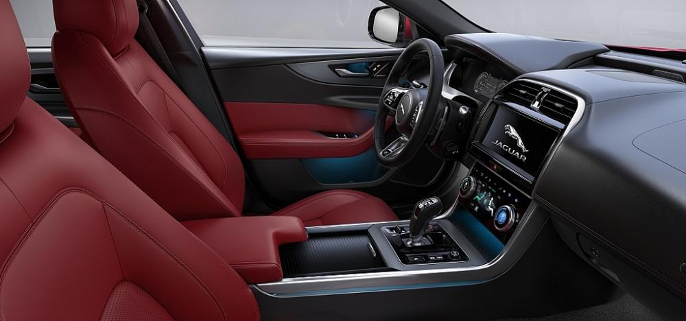 jaguar xe moi duoc phu thai mobility chot gia tu 26 ty dong