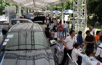 2.000 lượt khách tham quan và 50 đơn đặt hàng tại Hội chợ Oto.com.vn