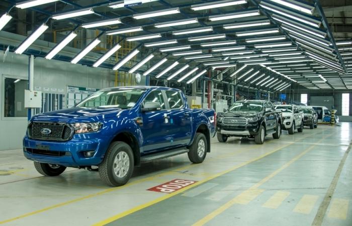 Ford Việt Nam xuất xưởng Ford Ranger đánh dấu mốc doanh số 100.000 xe