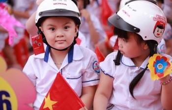 Honda Việt Nam tiếp tục trao tặng Mũ bảo hiểm cho học sinh lớp một toàn quốc năm học 2019-2020