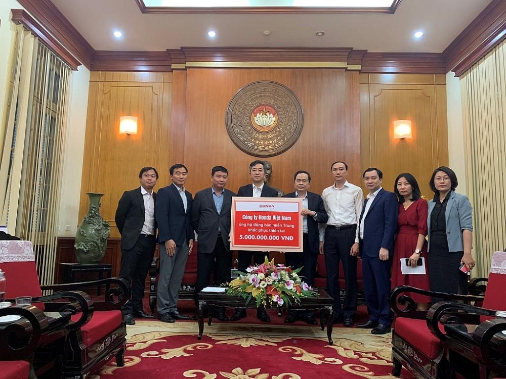 Honda Việt Nam hỗ trợ người dân các tỉnh miền Trung