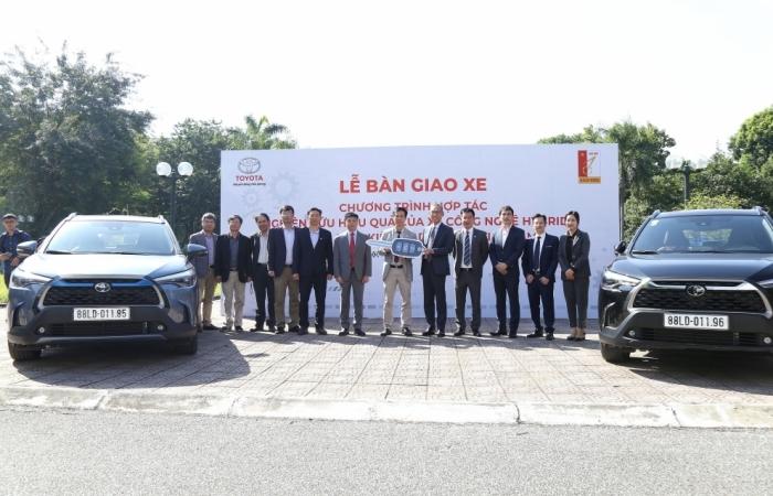 Toyota Việt Nam dành 2 xe Corolla Cross để hợp tác nghiên cứu hiệu quả công nghệ Hybrid