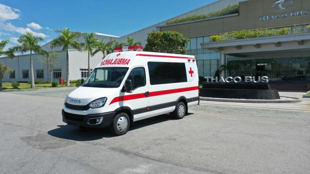 THACO tặng Hà Nội 300.000 kit test nhanh Covid – 19 và 30 xe cứu thương