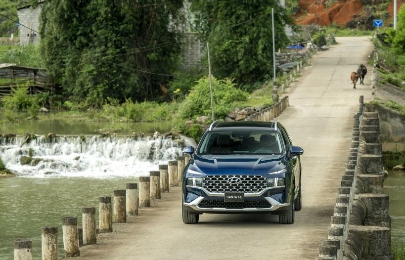 Tận hưởng cảm giác lái cùng Hyundai SantaFe 2021