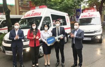 Hà Nội tiếp nhận lô thiết bị y tế trị giá 84 triệu đồng do THACO trao tặng