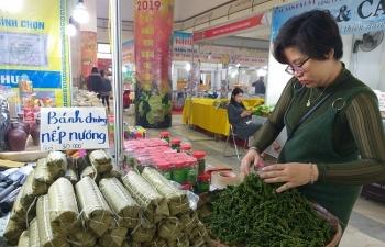 Hàng trăm đặc sản vùng miền khoe hương sắc tại Thủ đô