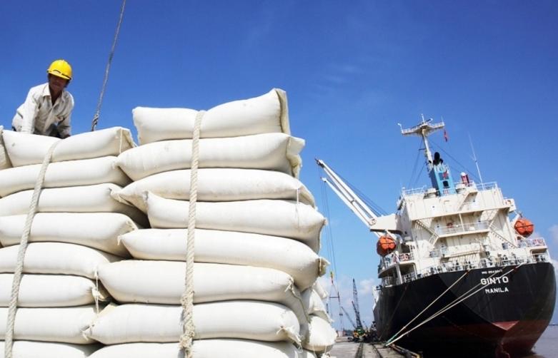 Lần đầu tiên Việt Nam nhập khẩu gạo Ấn Độ để làm gì?