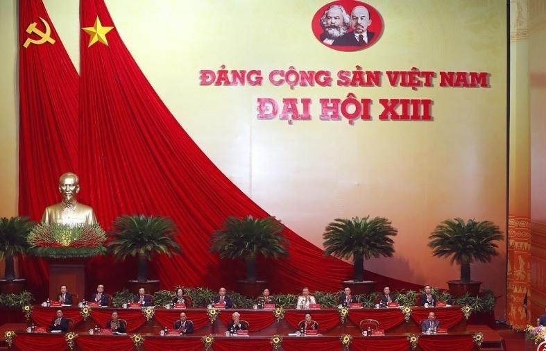 Xây dựng Đảng và hệ thống chính trị trong sạch, vững mạnh toàn diện