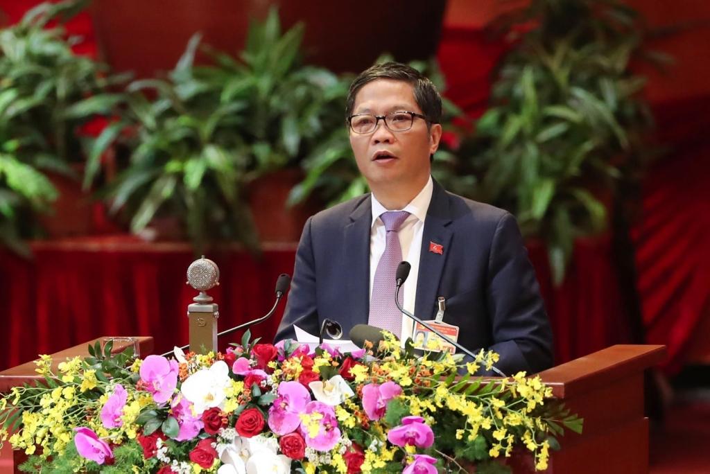 Bộ trưởng Bộ Công Thương Trần Tuấn Anh trình bày tham luận tại đại hội