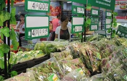Hàng hóa ngập siêu thị, khẩu trang, nước rửa tay bán cả năm mới hết