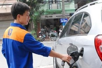 Xăng dầu tăng giá hơn 900 đồng/lít