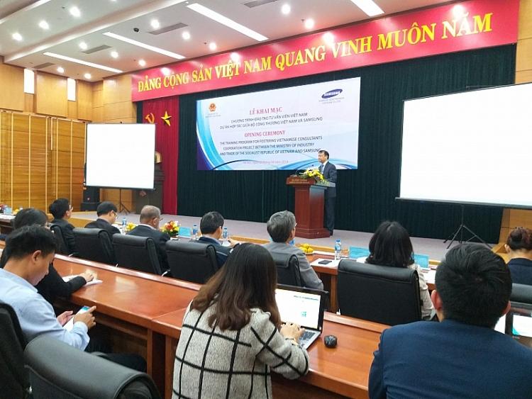 samsung dao tao 105 chuyen gia cong nghiep phu tro viet nam trong 2019