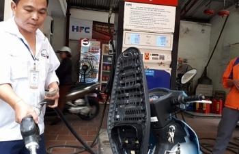 Giá xăng dầu tăng mạnh gần 1.500 đồng/lít