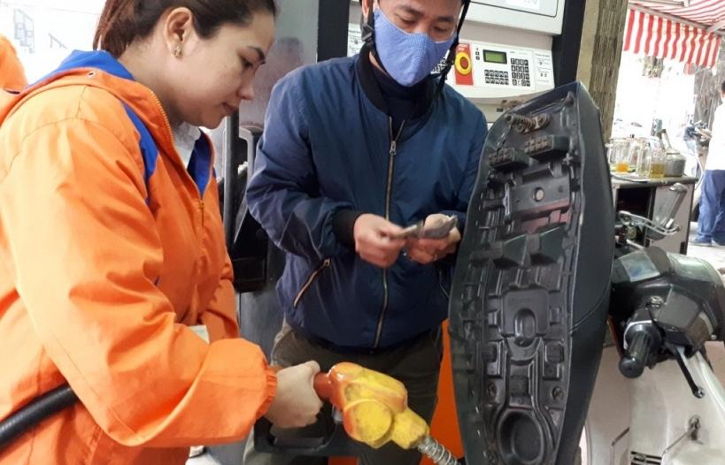 Xăng dầu dư dả, khuyến cáo người dân tuyệt đối không tích trữ