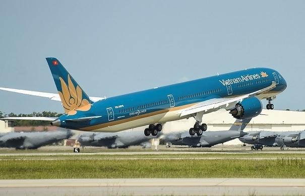 Vietnam Airlines phối hợp Thương vụ hỗ trợ xuất khẩu sang Singapore