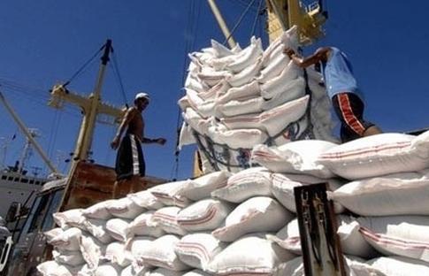 Chỉ được phép xuất khẩu 400.000 tấn gạo qua cửa khẩu quốc tế