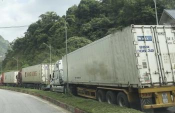 Tồn gần 2.300 xe hàng tại cửa khẩu giáp Trung Quốc, Lào, Campuchia