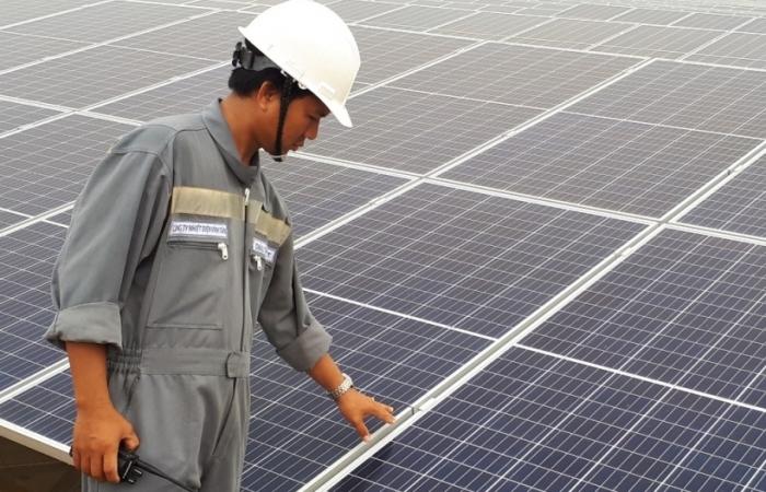 Cắt giảm điện mặt trời, điện gió là tình huống bắt buộc