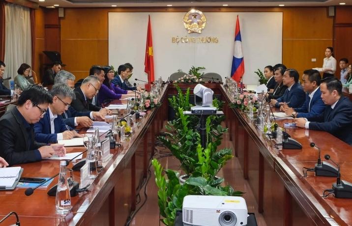 Không để lưu chuyển hàng hoá Việt-Lào bị gián đoạn vì Covid-19