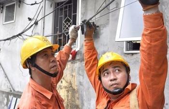 Tiêu thụ điện tăng kỷ lục, EVN đối mặt nhiều khó khăn