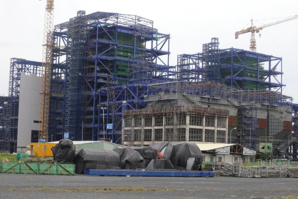 Nhiệt điện Long Phú I là một trong những dự án nguồn điện điển hình chậm tiến độ nhiều năm và chưa hẹn ngày về đích.  Ảnh: Nguyễn Thanh.