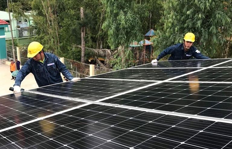 EVN thanh toán tiền điện mặt trời mái nhà giá mới từ 23/5