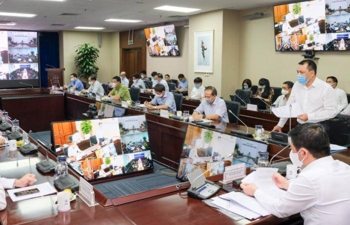 Dịch Covid-19 hoành hành nhiều cụm công nghiệp, Bộ Công Thương họp khẩn ứng phó