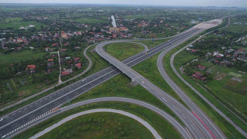 Chuyển cao tốc Bắc-Nam phía Đông sang đầu tư công gây ảnh hưởng đầu tư công trung hạn?