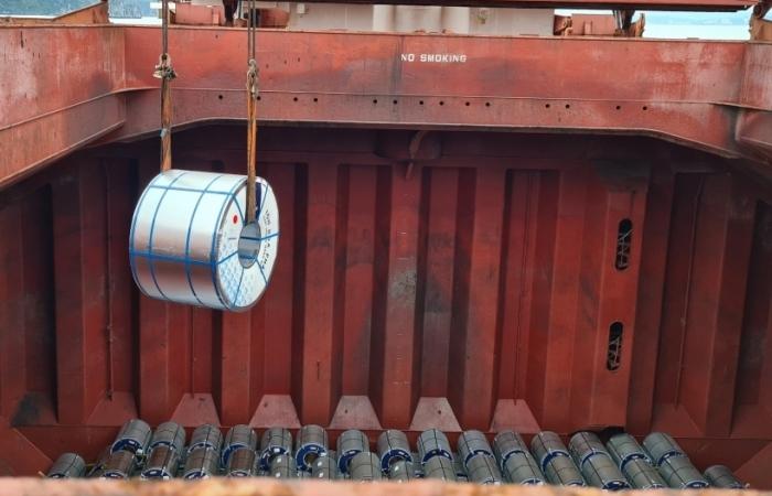Xuất khẩu tôn Hoà Phát đạt gần 20.000 tấn