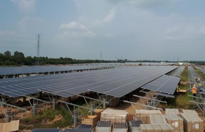 EVN đề nghị hướng dẫn phân biệt điện mặt trời máinhà và mặt đất