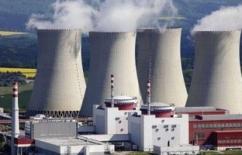 """Phải phát triển điện hạt nhân vì """"không có điện thì chết""""?"""
