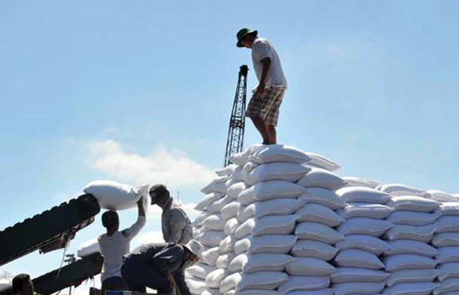 Xuất cấp hơn 4.000 tấn gạo hỗ trợ người dân gặp khó khăn do Covid-19