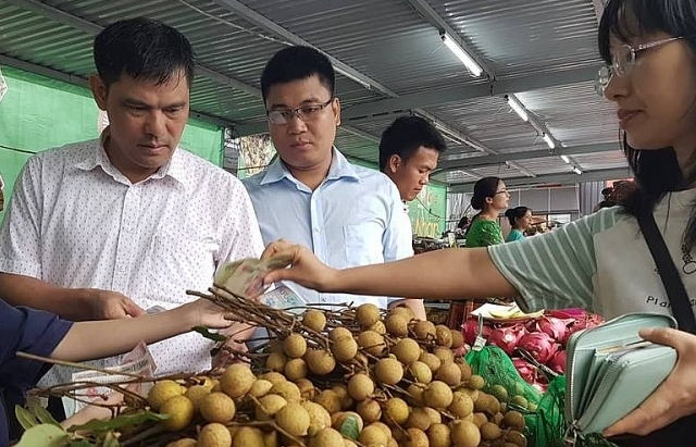 Vừa xuất khẩu, nhãn Việt đã bị Australia