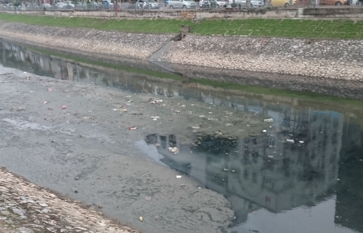 Hứng 100 nghìn m3 nước thải mỗi ngày, loạt sông lớn ô nhiễm nặng