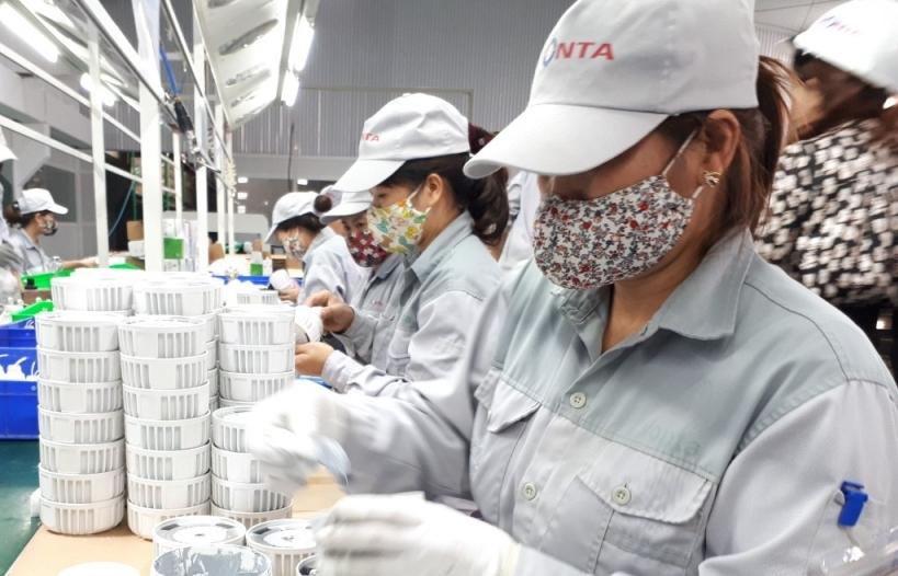 Xuất khẩu hàng công nghiệp chế biến mang về trên 200 tỷ USD