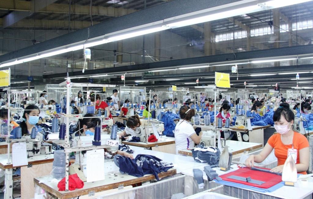 Các khu công nghiệp tăng tốc nối lại chuỗi sản xuất