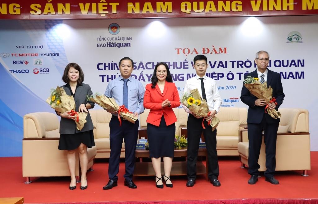 """Hơn 100 doanh nghiệp dự Tọa đàm """"Chính sách thuế và vai trò Hải quan thúc đẩy công nghiệp ô tô Việt Nam"""""""
