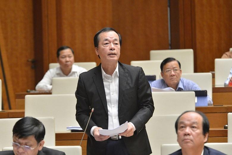 Bô trưởng Bộ Xây dựng Phạm Hồng Hà trả lời nội dung đại biểu Quốc hội chất vấn
