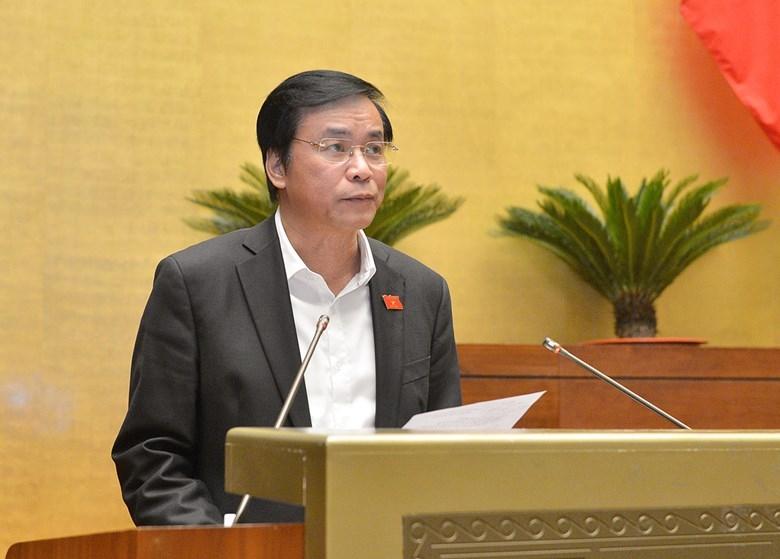 ổng thư ký Quốc hội Nguyễn Hạnh Phúc báo cáo tiếp thu, giải trình trước khi Quốc hội bấm nút .