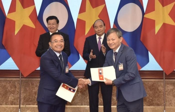 EVN sắp nhập khẩu hàng trăm MW điện từ Lào