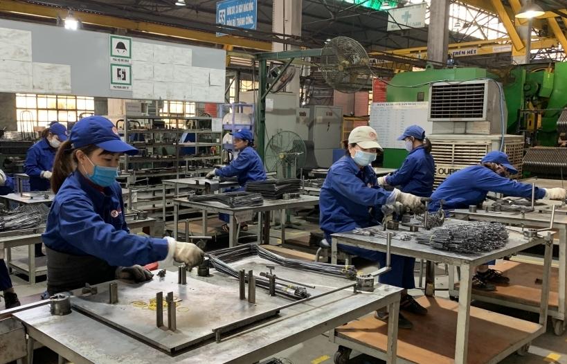 """Chỉ số sản xuất công nghiệp tăng trưởng với phương án """"3 tại chỗ"""""""